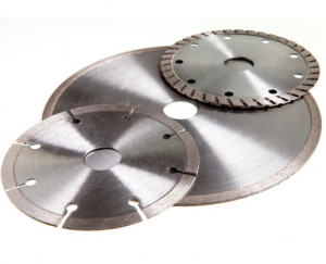 Diamond discs for tile and concrete cutting